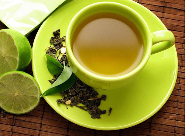 چای سبز را با معده خالی ننوشید …