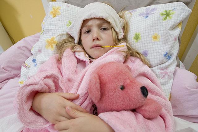 چگونه تب را بدون دارو پایین بیاوریم