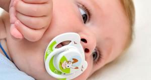 عوارض استفاده از پستانک در کودکان
