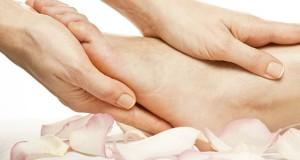ماساژ این ۶ نقطه از پا به سلامت شما کمک می کند