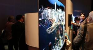 ال جی از تلویزیون های دو طرفه OLED خود در نمایشگاه IFA پرده برداشت