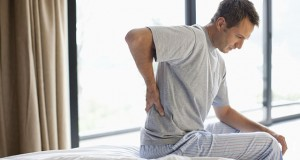 ۷ درمان گیاهی برای کمر درد