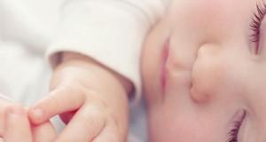 نوزادان را طاقباز بخوابانید