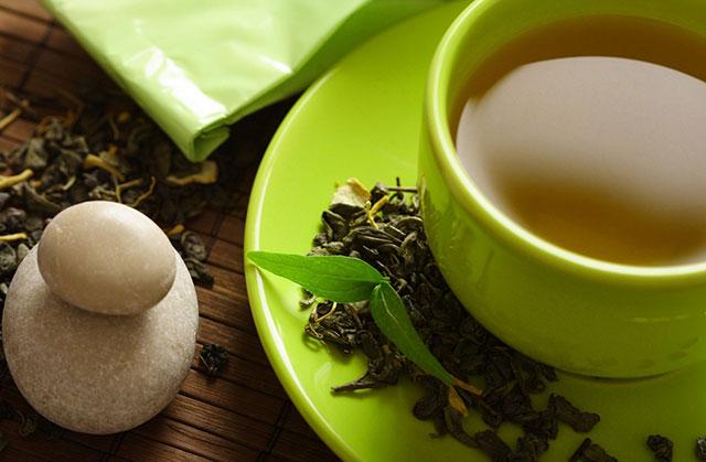 چای سبز از پوستتان محافظت میکند