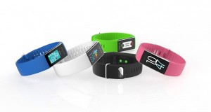 پلار یک دستبند ورزشی با قابلیت نظارت بر ضربان قلب ارائه کرد