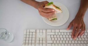ده دلیل قانعکننده برای ترک میز کار در هنگام صرف ناهار