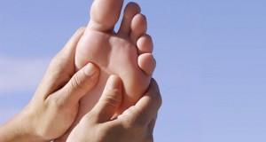 برای درمان سردرد به کف پایتان فشار بیاورید!!