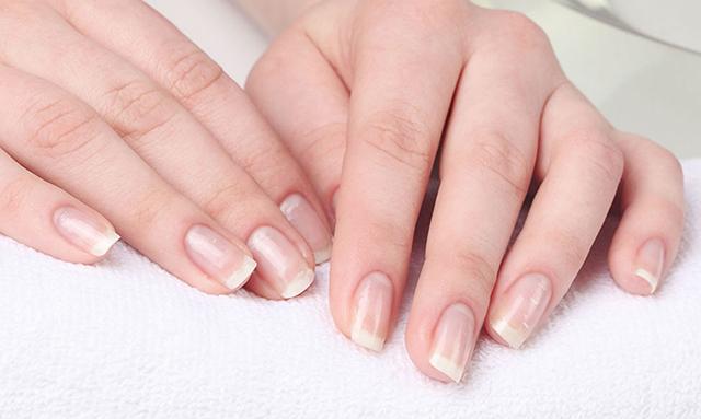 کشف راز لکههای سفید روی ناخن
