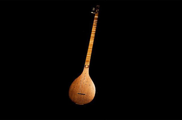 آشنایی با سازهای سنتی: سه تار