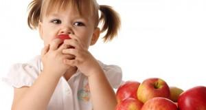 خواص جادویی سیب برای نوزادان