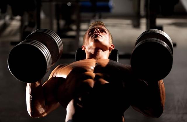 حرکات ورزشی مناسب برای تقویت عضلات سینه