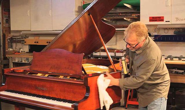 چگونه پیانوی خود را تمییز کنیم؟