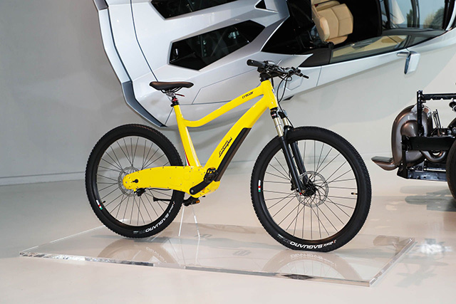 automobili-lamborghini-with-italtechnology-e-bicycles_4
