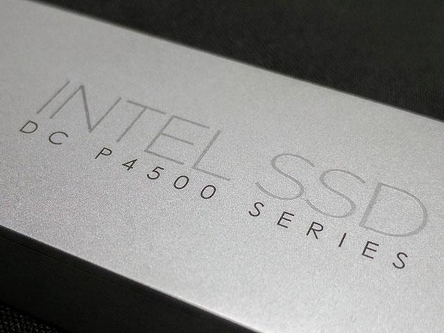 اینتل از حافظه ۳۲ ترابایتی SSD با ظاهر خط کش رونمایی کرد