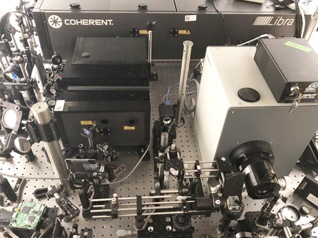 سریع ترین دوربین فیلمبرداری دنیا با قابلیت ۱۰ تریلیون فریم در ثانیه