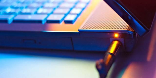 چگونه طول عمر باتری لپ تاپ را بیشتر کنیم؟