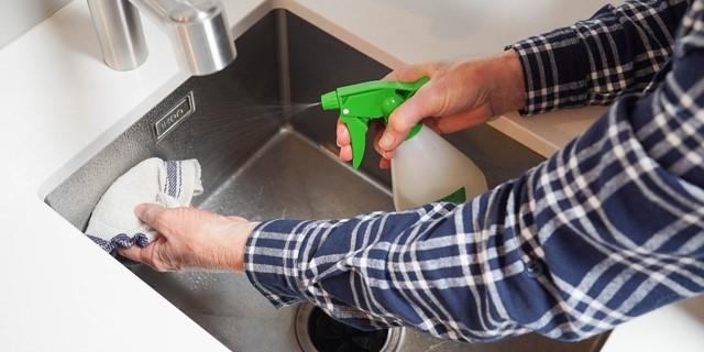 بایدها و نبایدهای تمیز کردن سینک ظرفشویی