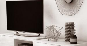 چند روش کاربردی برای تمیز کردن میز تلویزیون