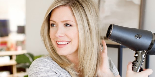۵ اقدام قبل از سشوار برای داشتن موهایی خوش حالت و زیبا