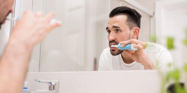 استفاده از مسواک برقی برای دندان ها چه فوایدی دارد؟