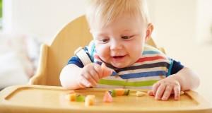 کارهایی که باید انجام دهید، اگر کودکتان از صندلی غذایش متنفر است