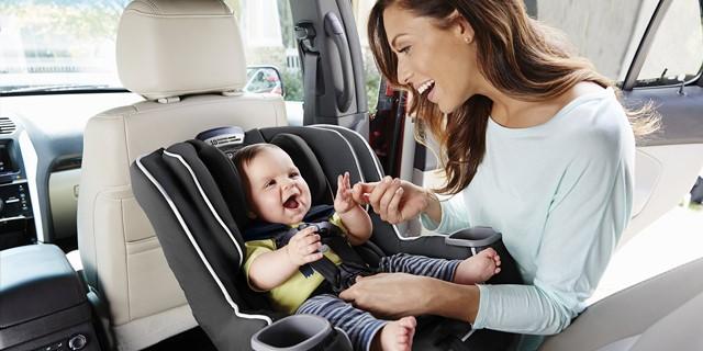 چه طور متوجه شویم صندلی ماشینی مناسب کودکمان نیست؟