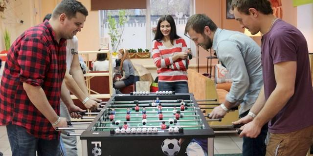 چند نوع میز فوتبال دستی داریم؟ هرکدام چه ویژگی هایی دارد؟