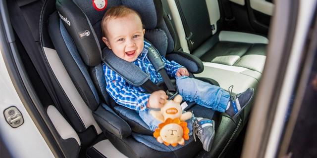 آیا لازم است برای نوزاد خود، صندلی ماشین مخصوص تهیه کنید؟